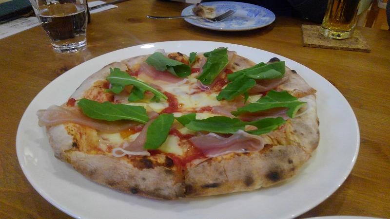 花カフェの石窯ピザ