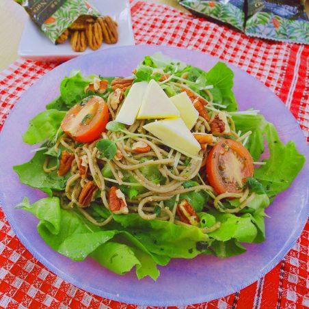 ピーカンナッツのジェノベーゼ風蕎麦サラダ